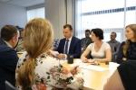 Apbalvojuma pasniegšana R.Saliņai | Cilvektirdznieciba.lv